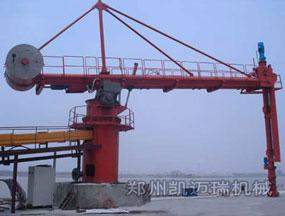 江苏南通固定式卸船机工作现场